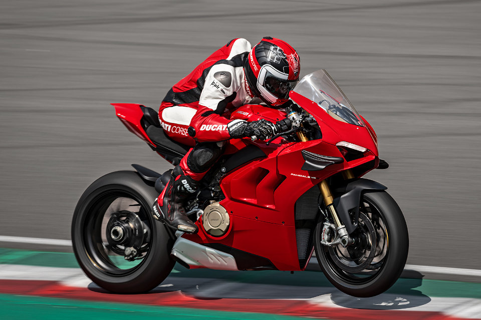 Panigale-V4-S-MY20-Red-960x640